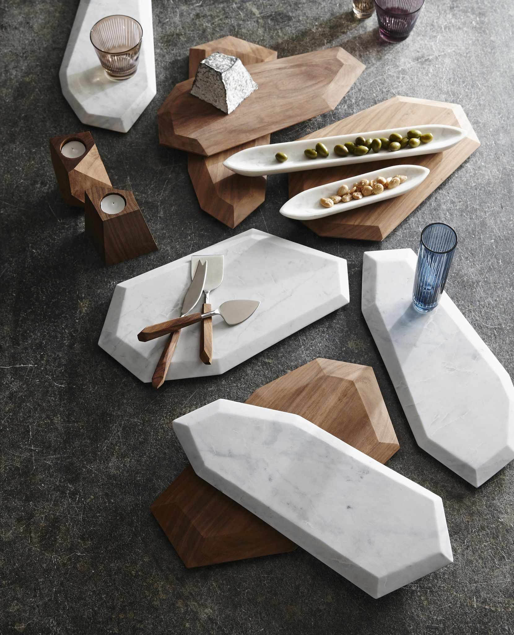 faceted marble rosewood serving pieces marble cheese board marbles and marble board. Black Bedroom Furniture Sets. Home Design Ideas