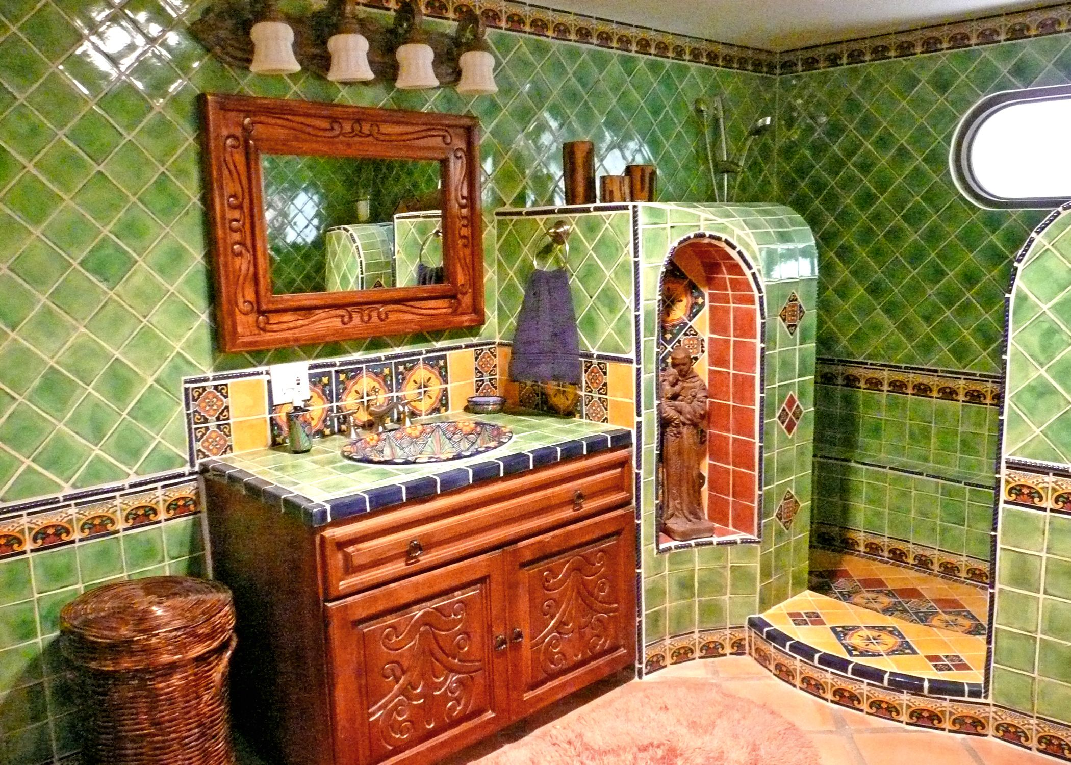 Mexican talavera pedestal sink puebla terra artesana - Bathroom Using Mexican Tiles By Kristiblackdesigns Com