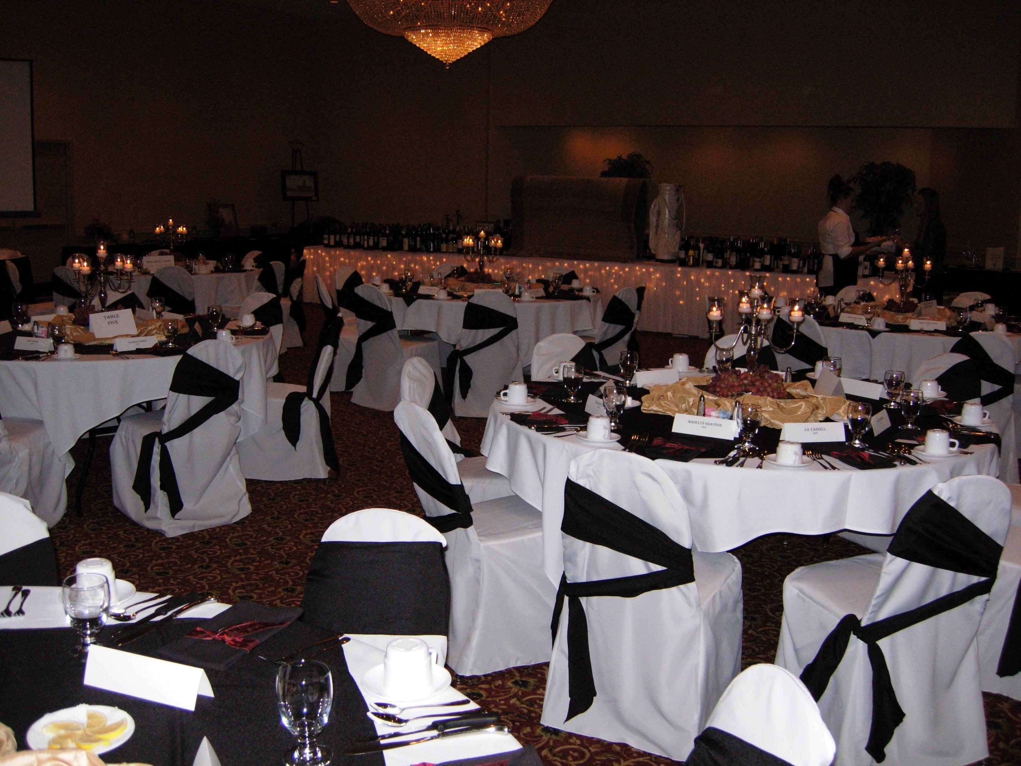 Evansville Hotels with Restaurants: Wedding Facility Evansville Indiana_Clarion Inn Hotel. Clarion Inn  4101 Hwy 41 N  Evansville IN 47711  United States  (812) 424-6400  http://www.clarionevansville.com