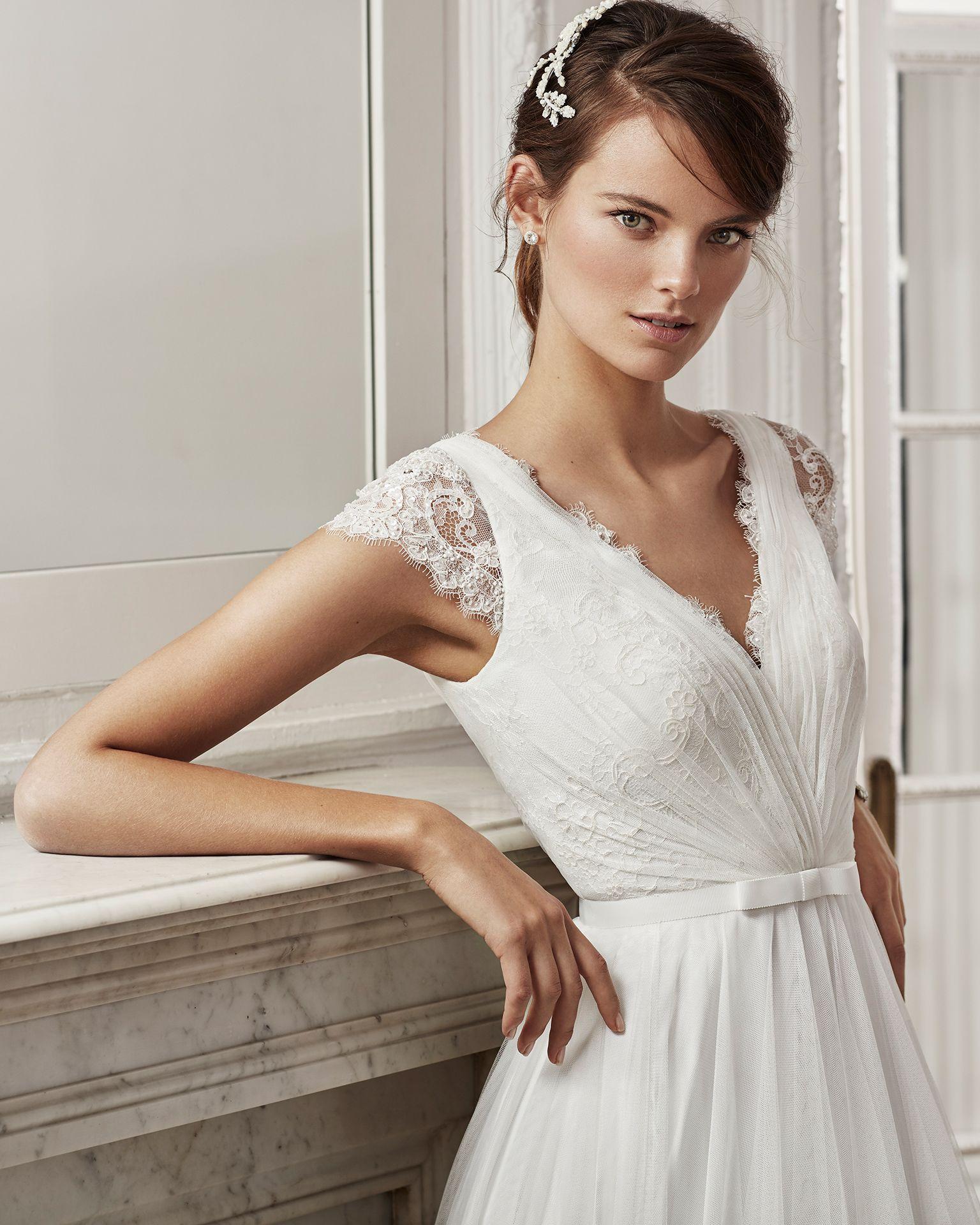 Vestidos de novia con manga corta de encaje