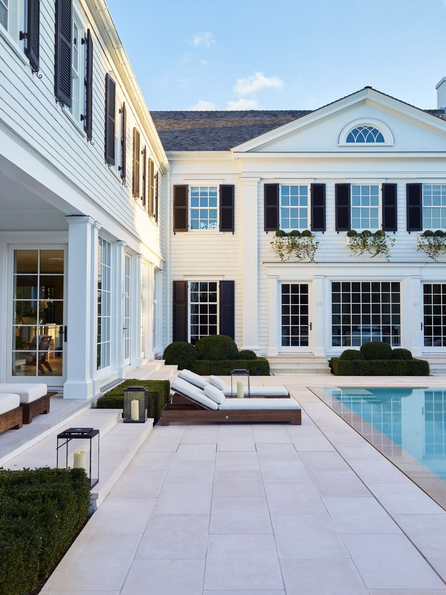 Tour A Stylish Southampton Getaway In 2020 Dream Home Design Luxury Homes Dream House Exterior