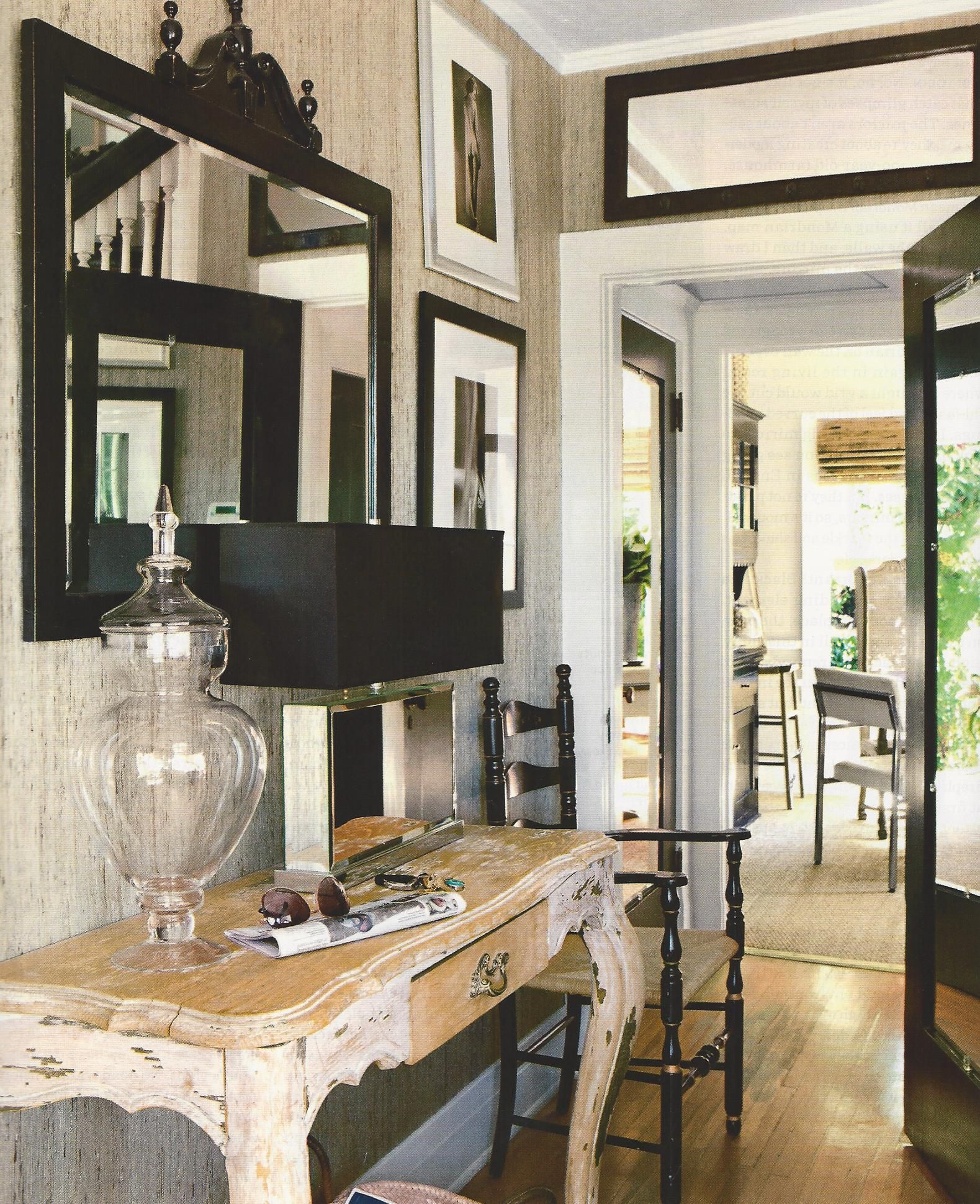 Black contrasts nicely against the neutral wall and floors with