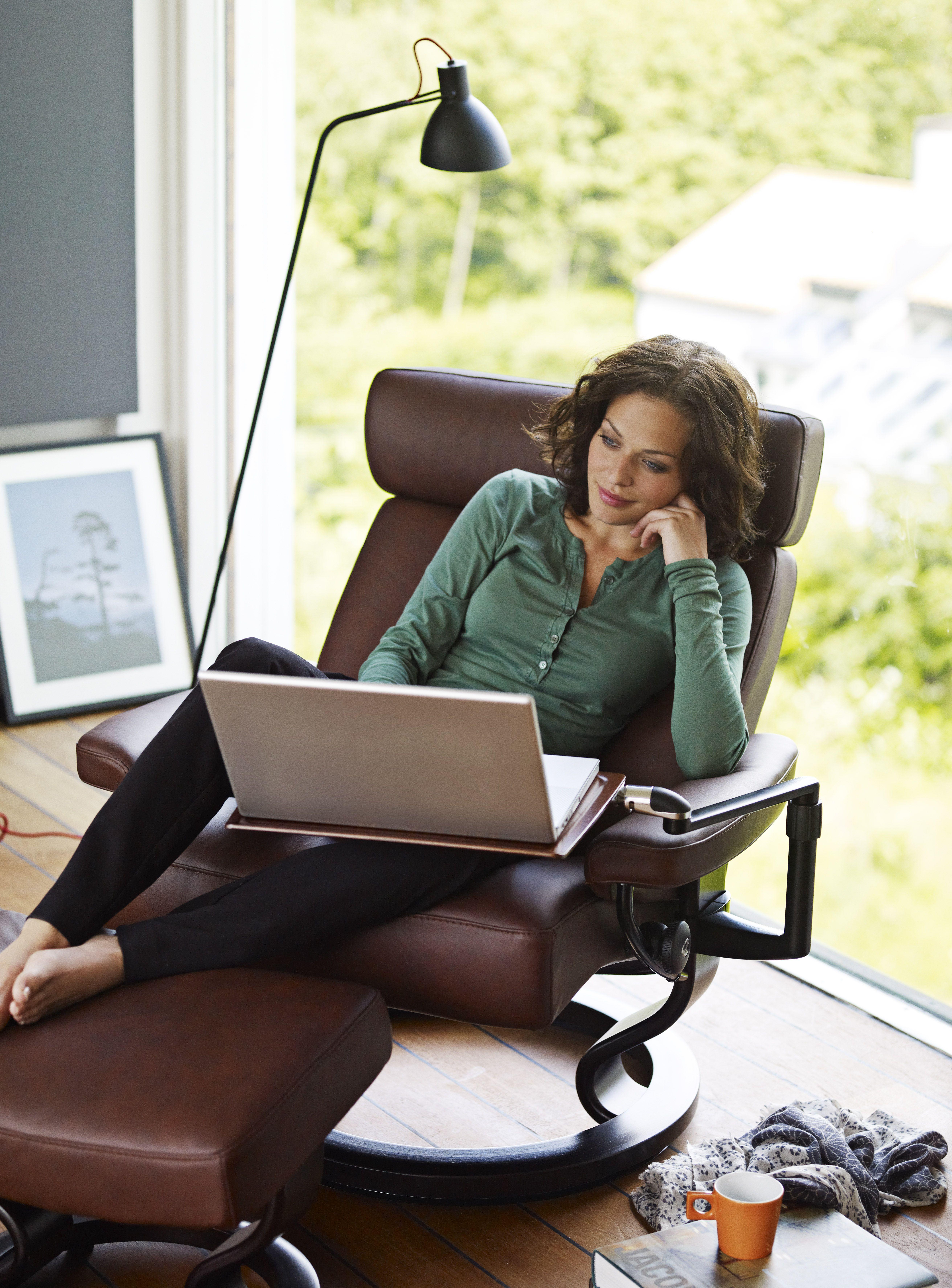 stressless sessel laptoptisch. Black Bedroom Furniture Sets. Home Design Ideas