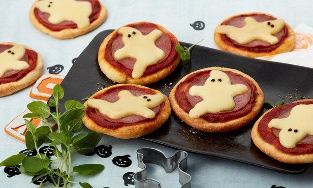 Gespenster Pizzinis Rezept Halloween Essen Rezepte Kleine Pizza Helloween Essen Kinder