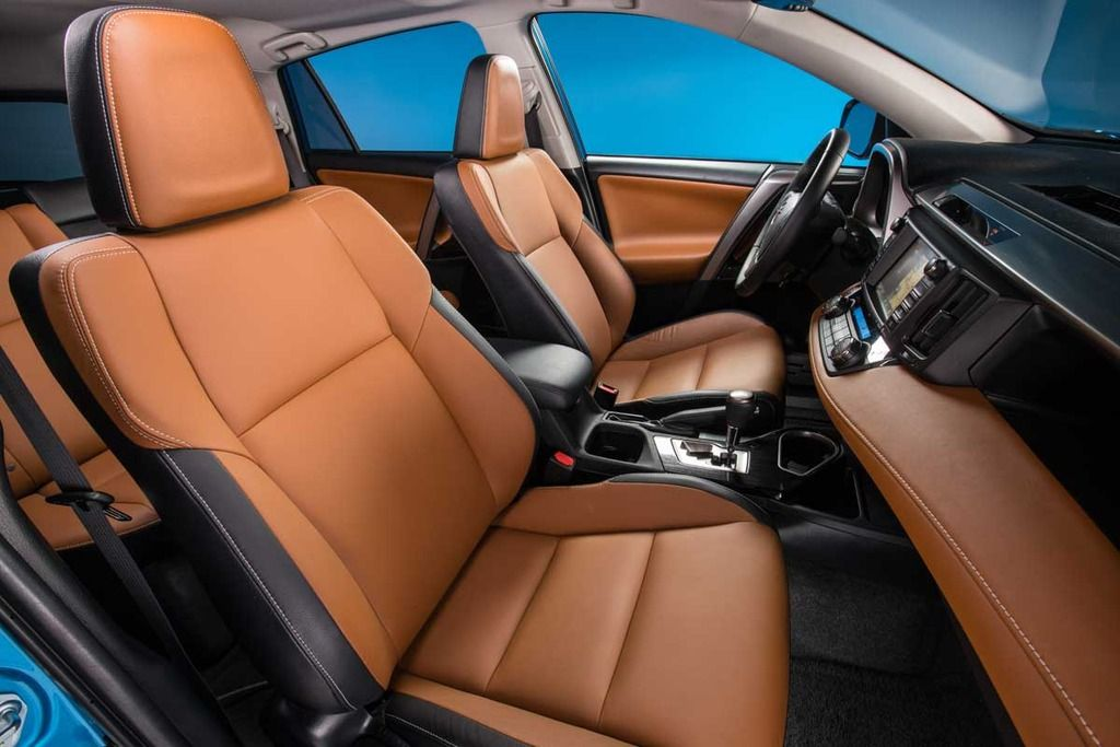 Two-tone interior with