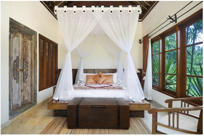 bali style bedroom check out the doors - Bali Bedroom Design