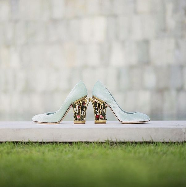 This garden inspired Dolce & Gabbana shoes is oh-so-beautiful!