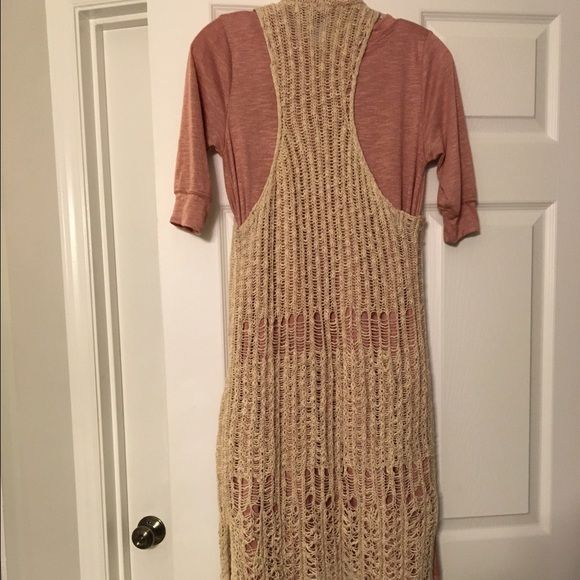 Adorable crocheted loose knit duster! So cute! Loose knit with racerback and split hem! Sweaters