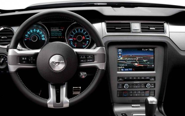 Refreshing Or Revolting 2013 Ford Mustang Mustang Interior Mustang Gt 2014 Ford Mustang