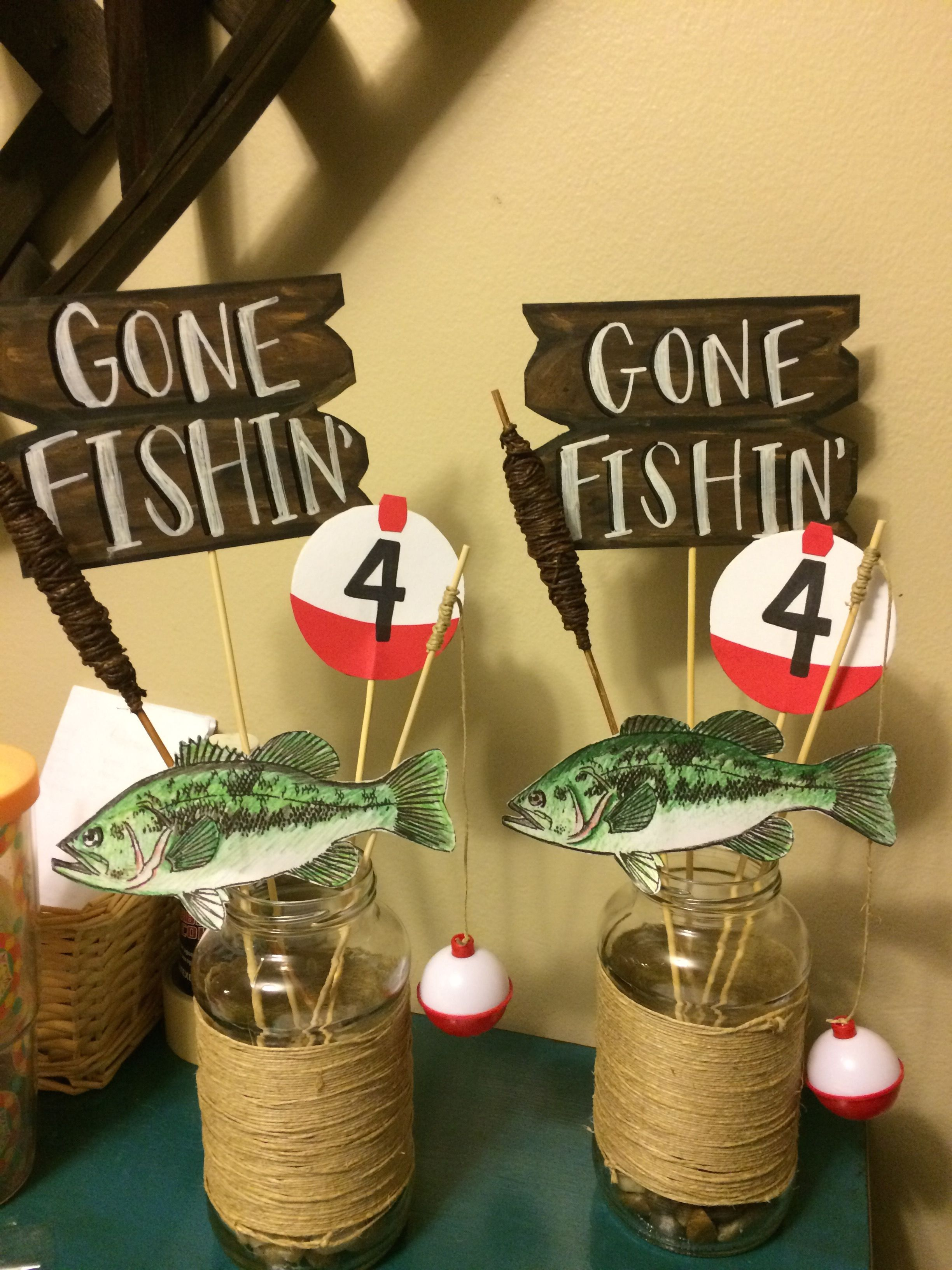 Little boy fishing party table centerpieces gage 39 s 4th for Fishing themed birthday