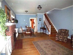 Super-cute, spacious twin - across the street from Menlo Park in Perkasie Boro.