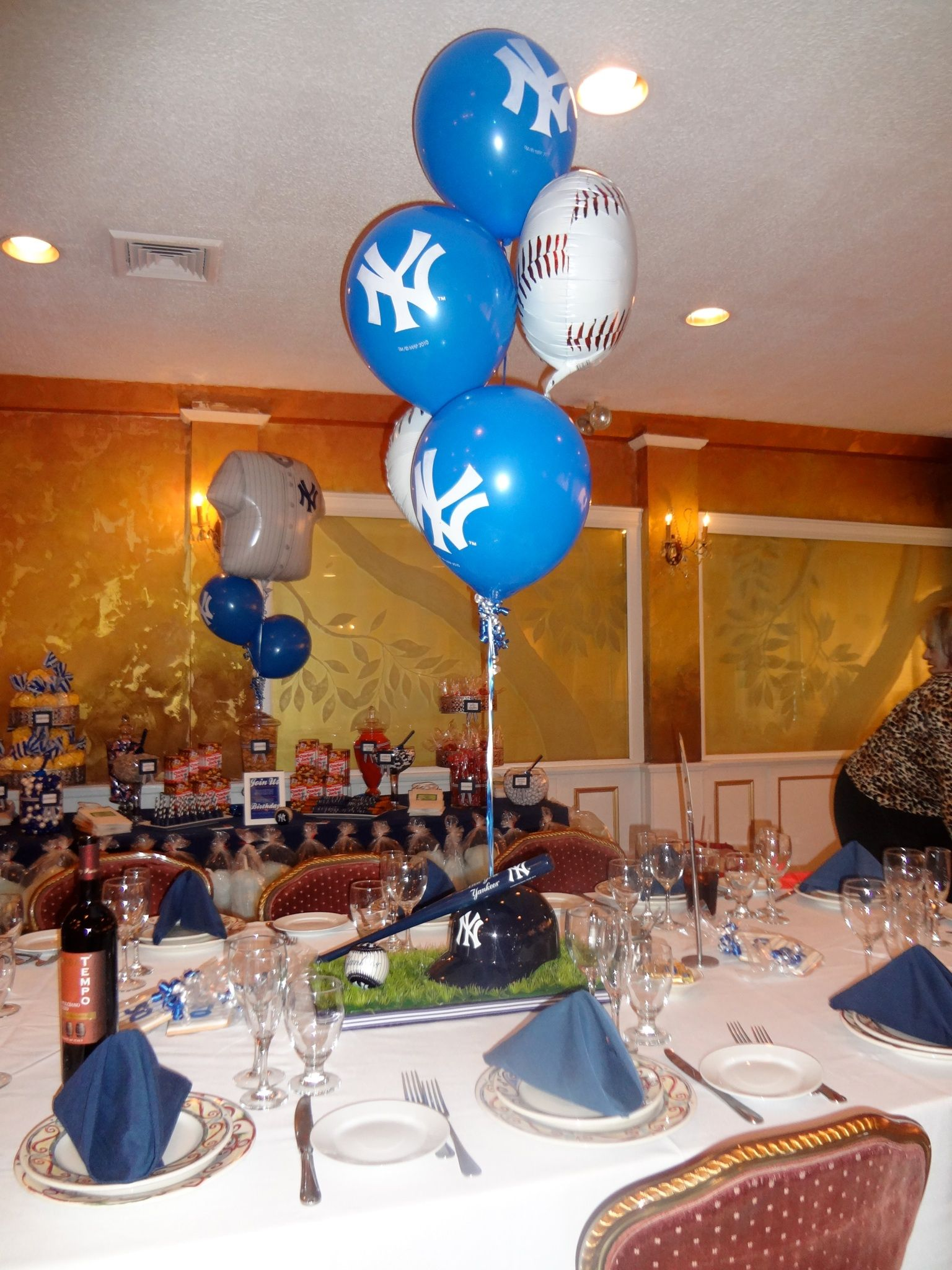 Yankees Theme 50th Birthday Mens Centerpieces With Balloons