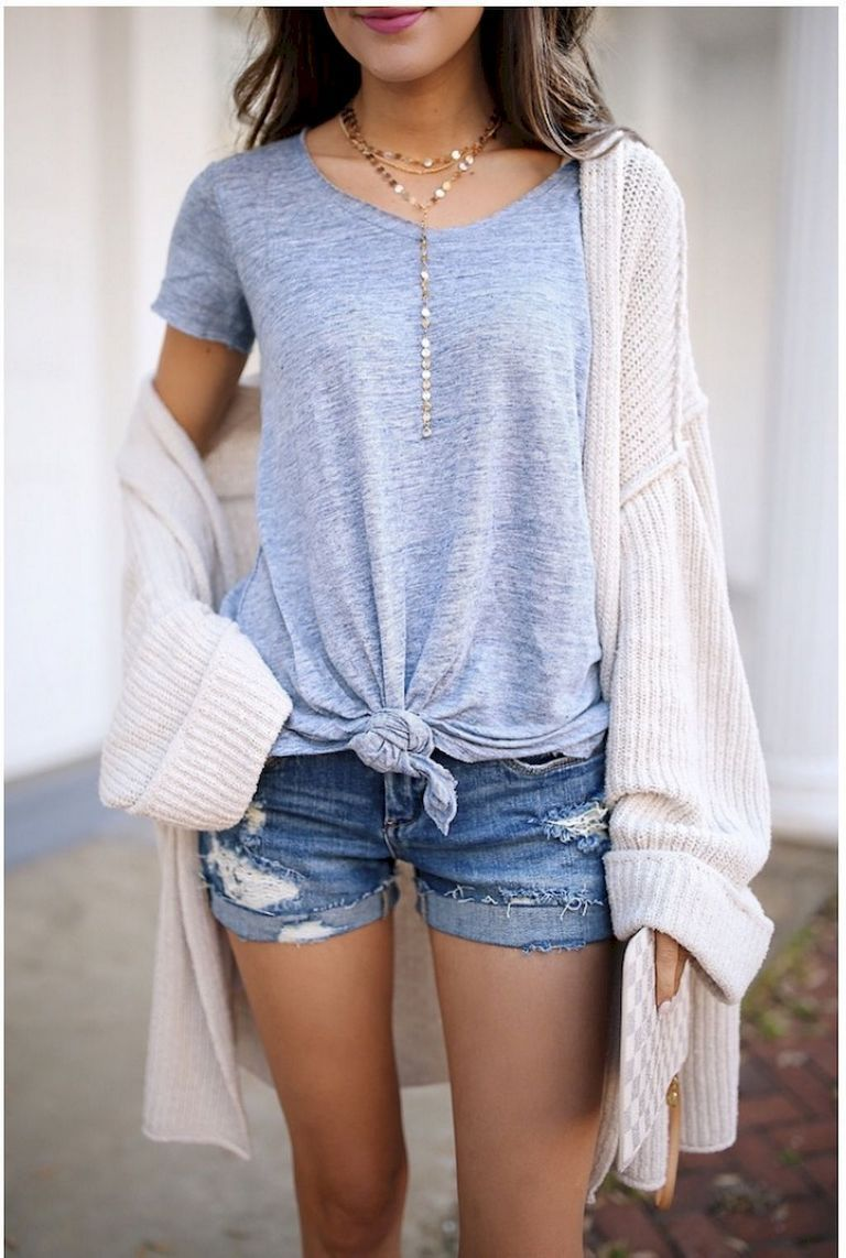 a5a315236f Simple summer outfits ideas to copy right now (28)