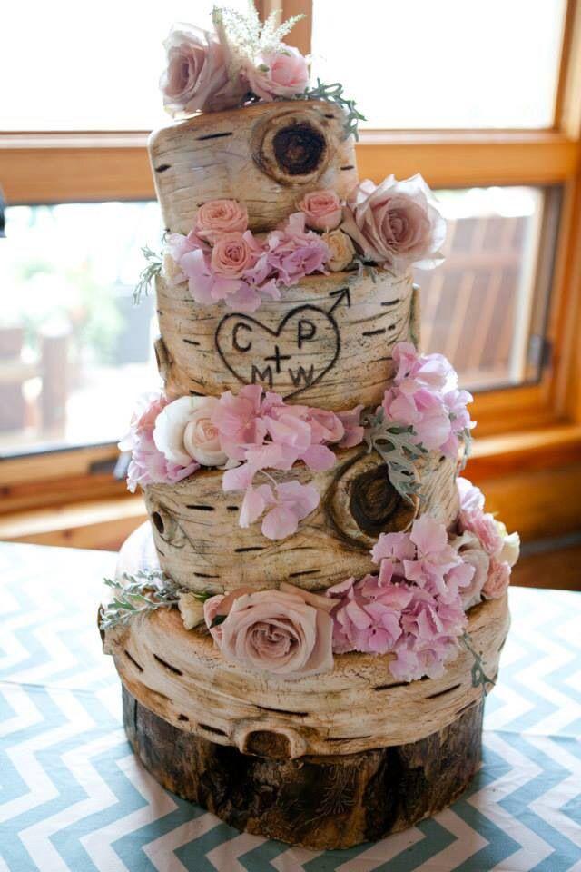 lovely rustic boho wedding cake!