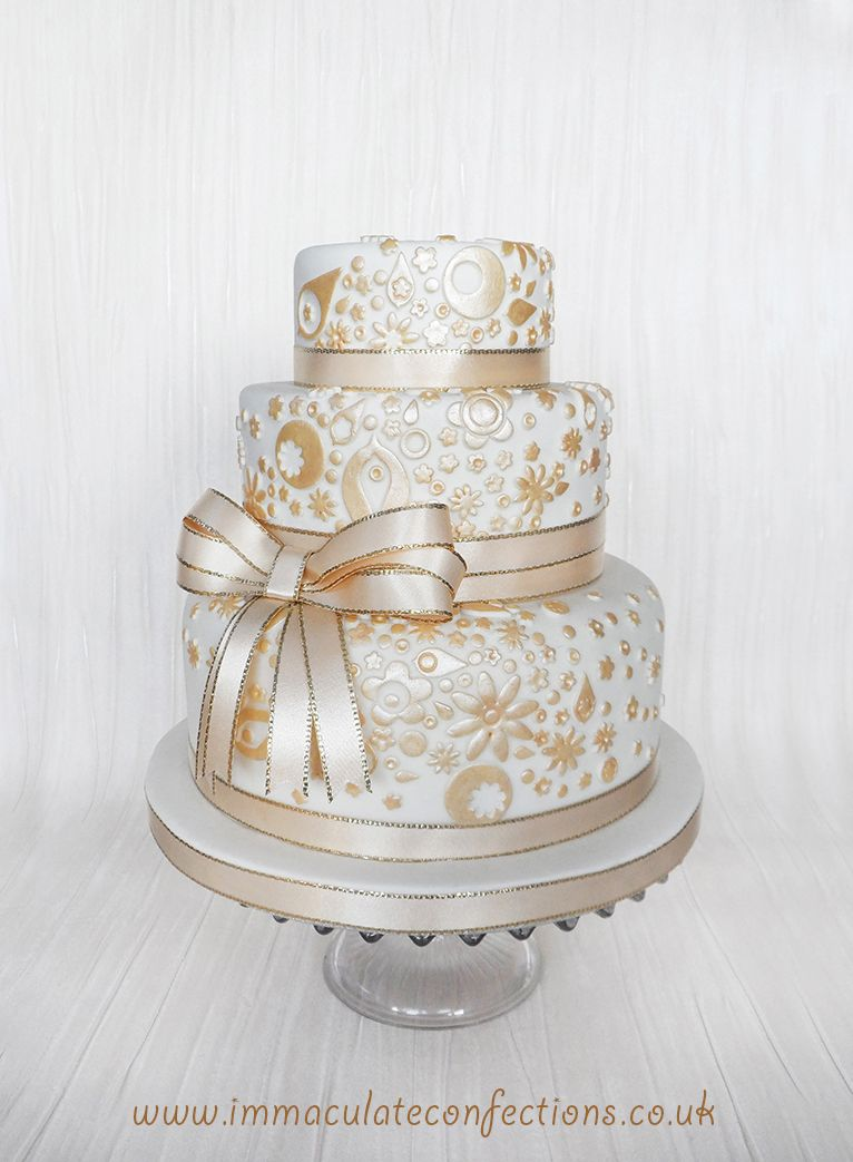 Gold Lace Wedding Cake Cakes By Natalie Porter Hertfordshire And