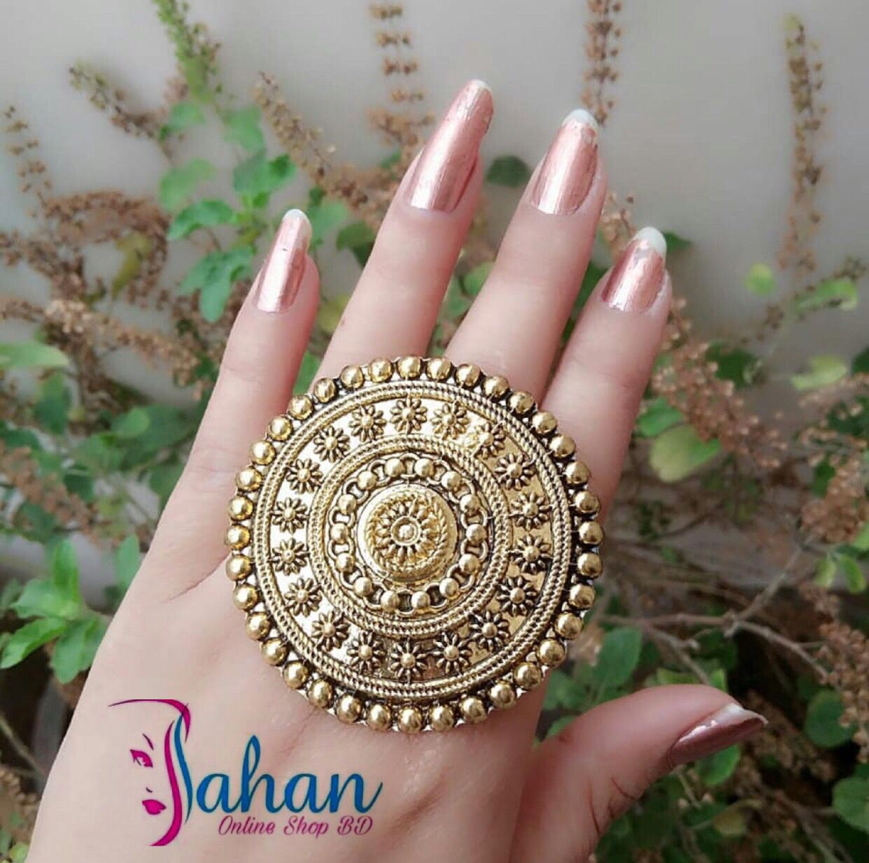 Pin by MAIRA KHALID on accessories Gold ring designs