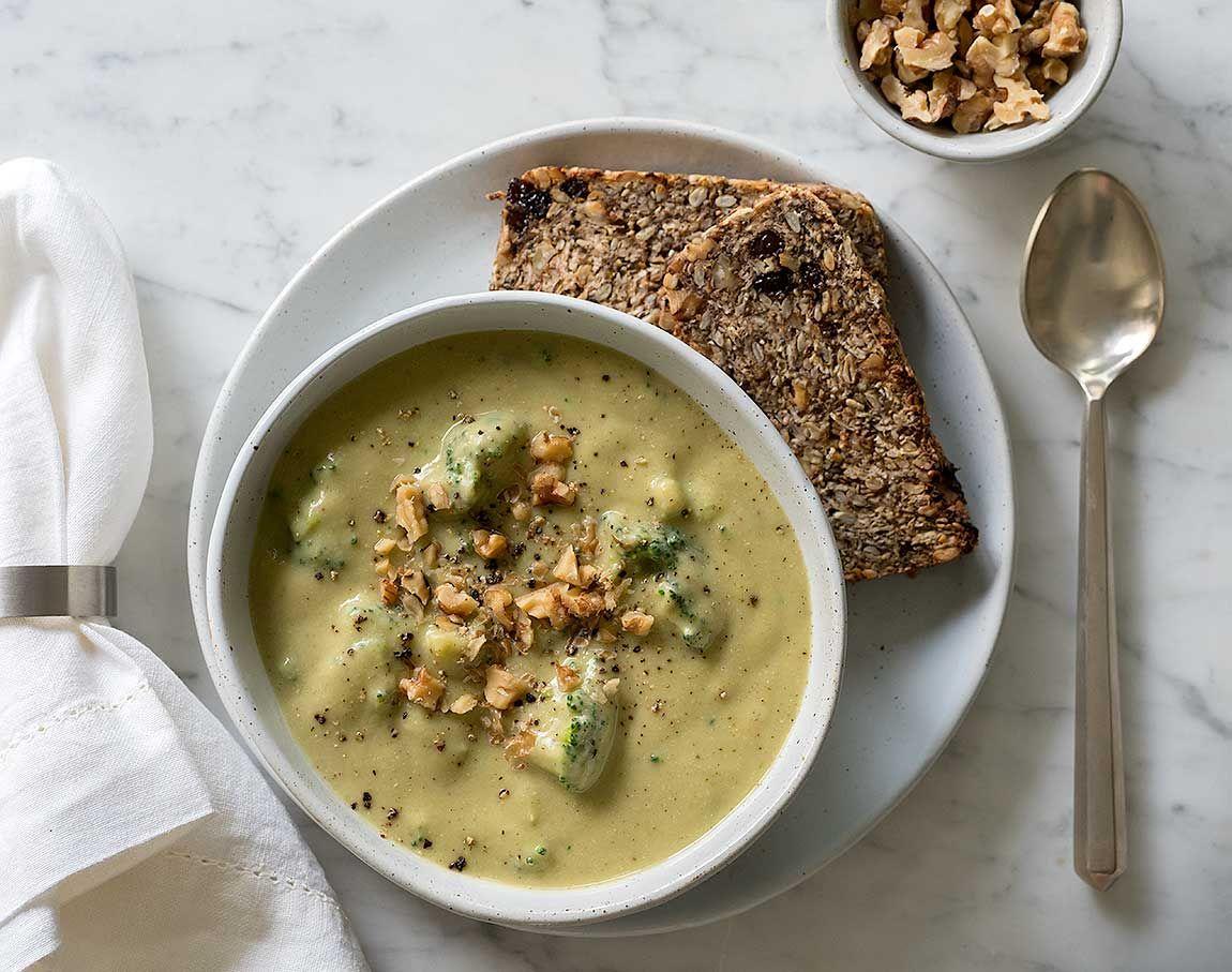 Creamy White Bean and Broccoli Soup. Vegan and delicious!