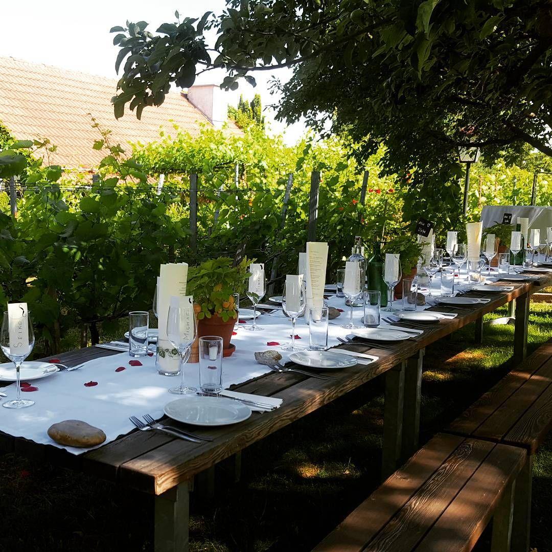 1000things At Prasentiert Euch Die Romantischsten Und Schonsten Heurigen In Wien Die Auf Euren Besuch Warten Heuriger Wien Weingut