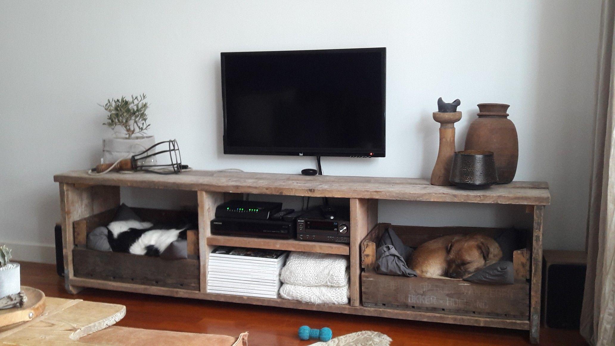 Tv In Kast : Tv kast en hondenmand in 1 home decor pinterest tv media