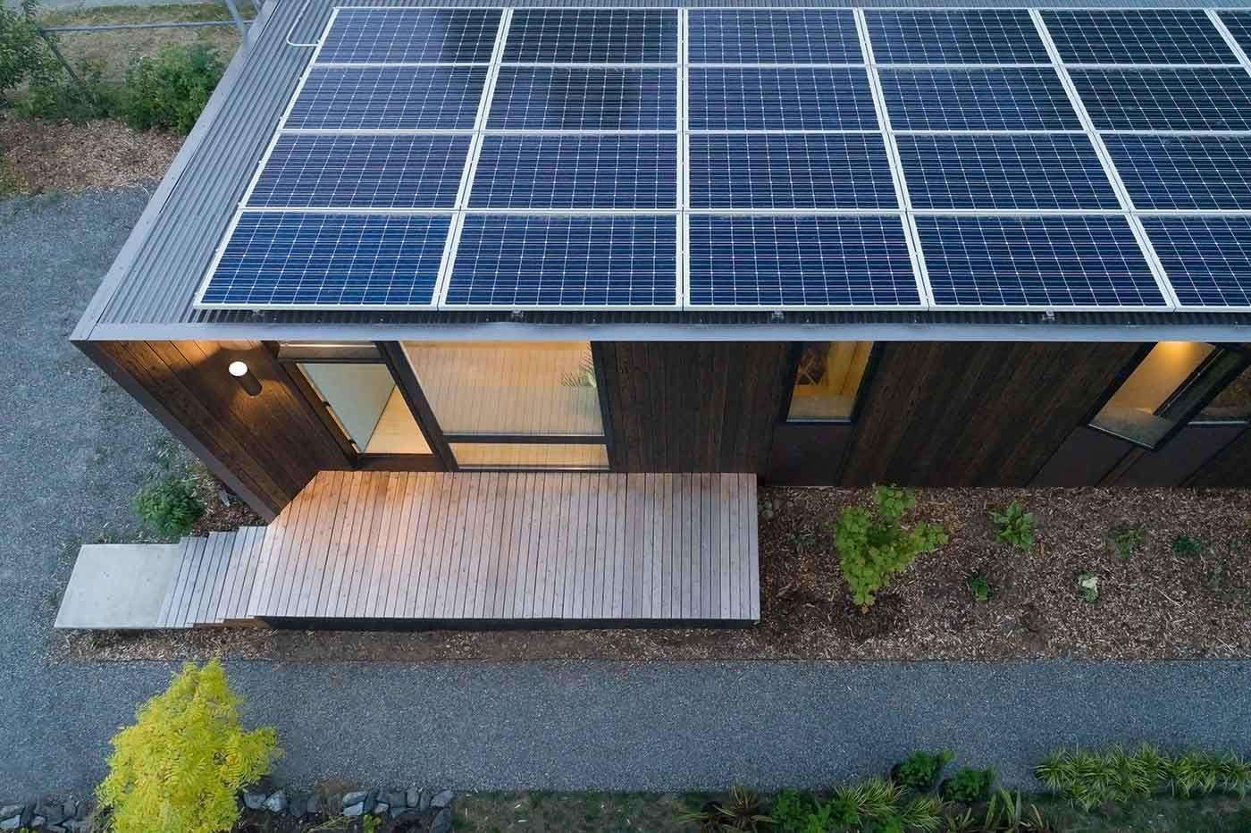 Node Trillium Is The Carbon Negative Solar Powered Backyard Office Of Our Dreams Design Milk In 2020 Backyard Cottage Solar Panels Wood Siding Exterior