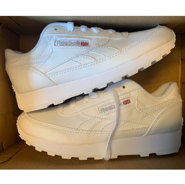 Brand new white reebok sneakers nwt | Adidas white sneakers