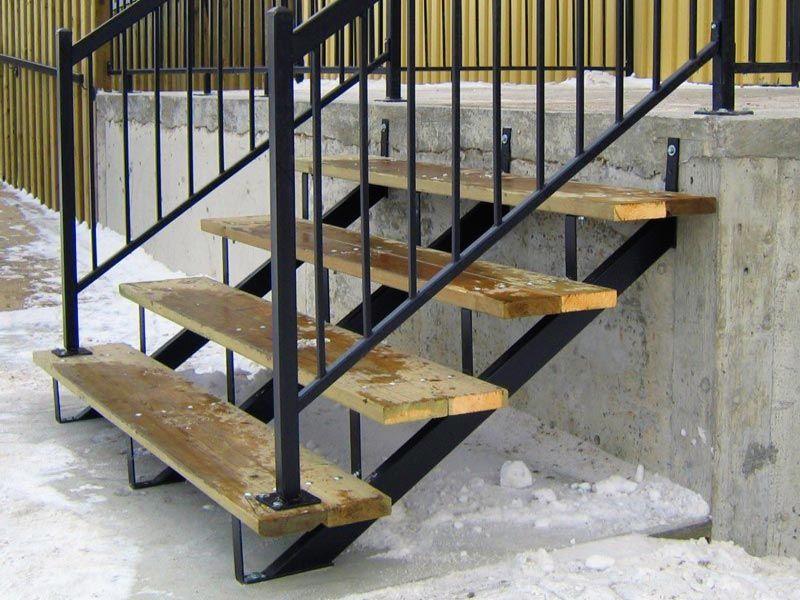Best Steel Stair Stringers And Steel Railings Exterior Stair 640 x 480