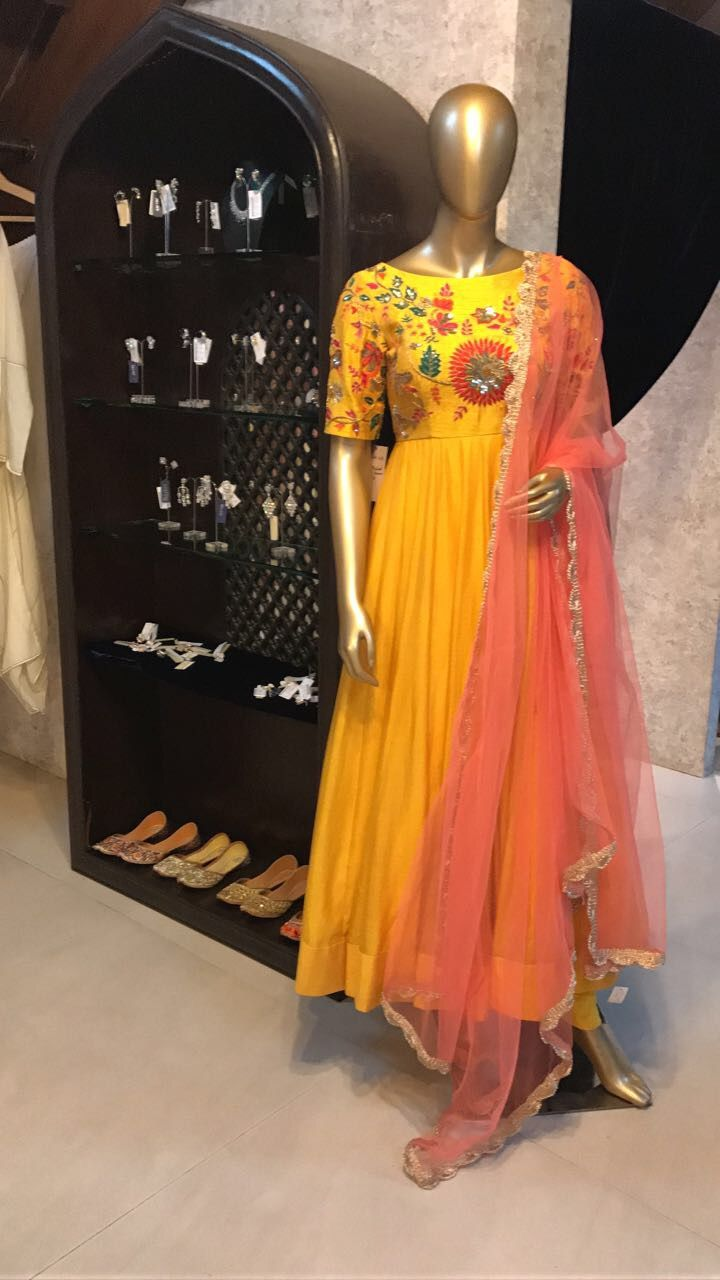 Display At Amara Mumbai Outfit By Mrunalini Rao Contact 91 7032083620 Art Dress Indian Outfits Long Frocks