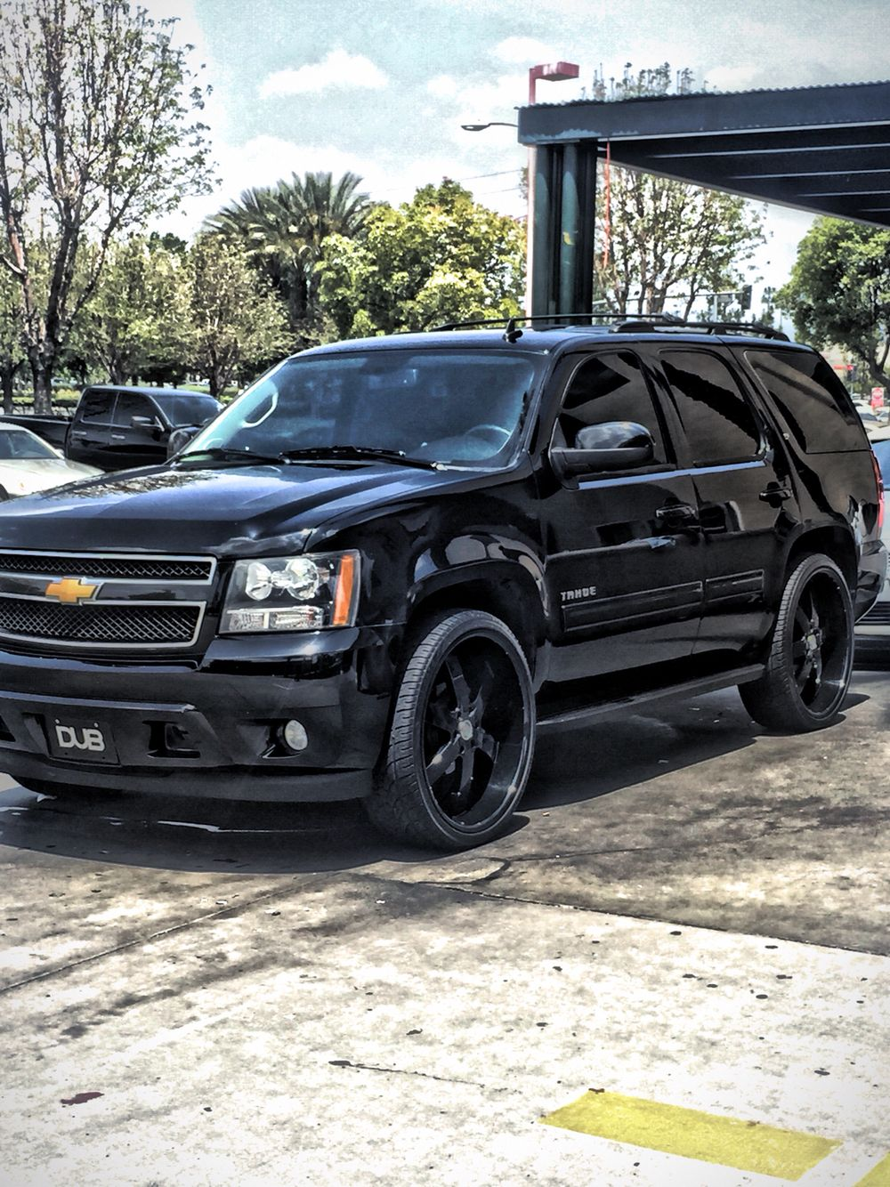 Black chevy tahoe sittin on 28 inch rims cars and motorcycles pinterest chevy wheels and chevrolet tahoe