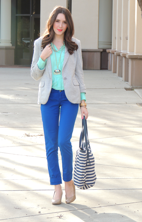 Royal blue skinny jeans, mint blouse and a neutral blazer.