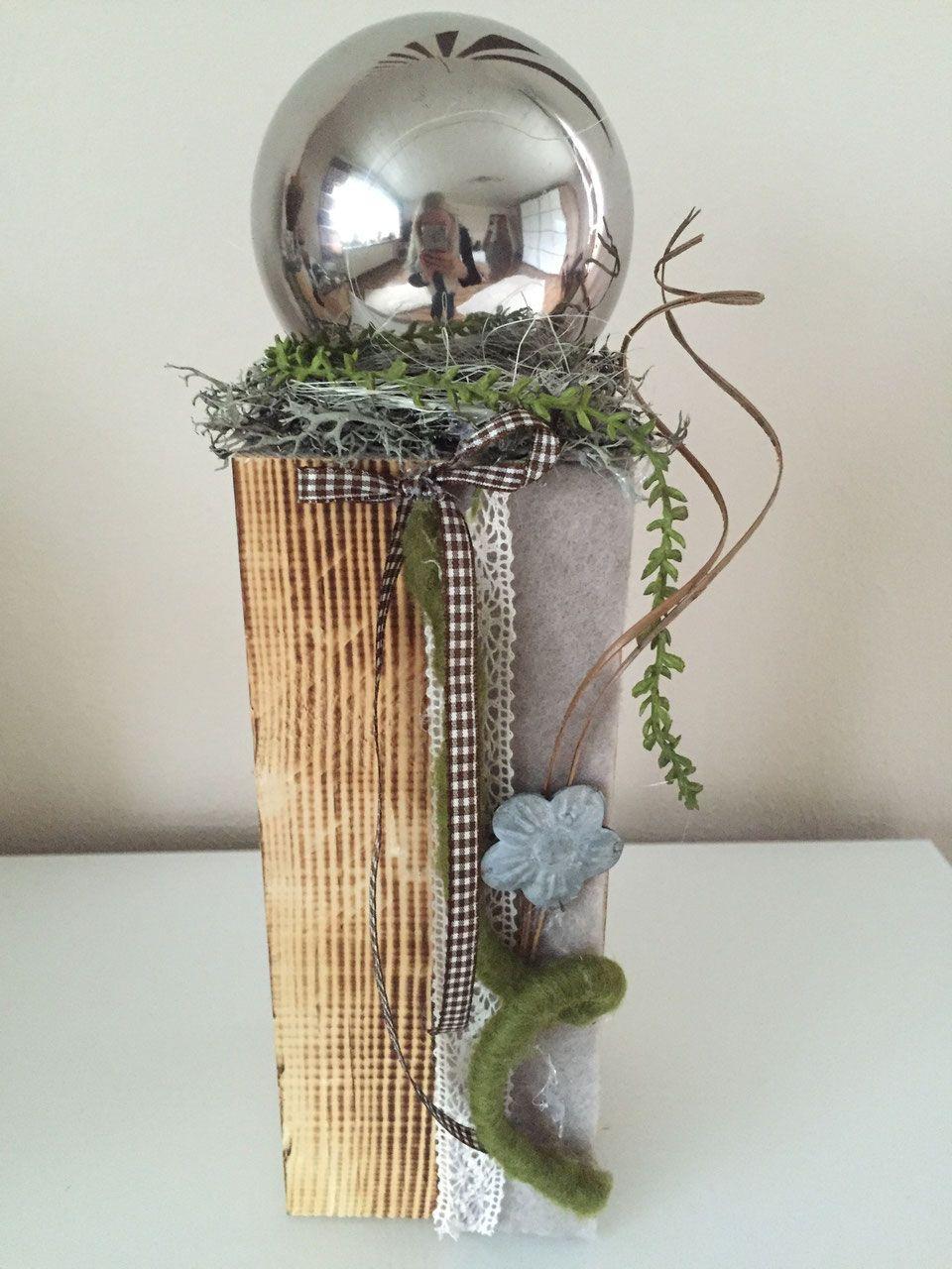Holzblock Mit Silberkugel Butterfly