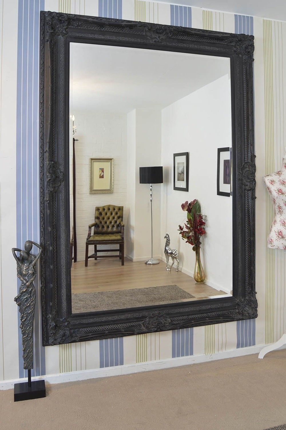 how to hang a very heavy mirror how to hang mirrors with ease using youhangit hanging heavy. Black Bedroom Furniture Sets. Home Design Ideas