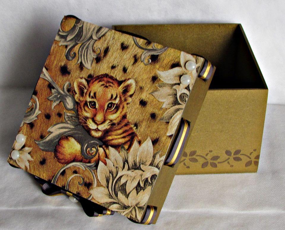 caixa de Mdf dourada