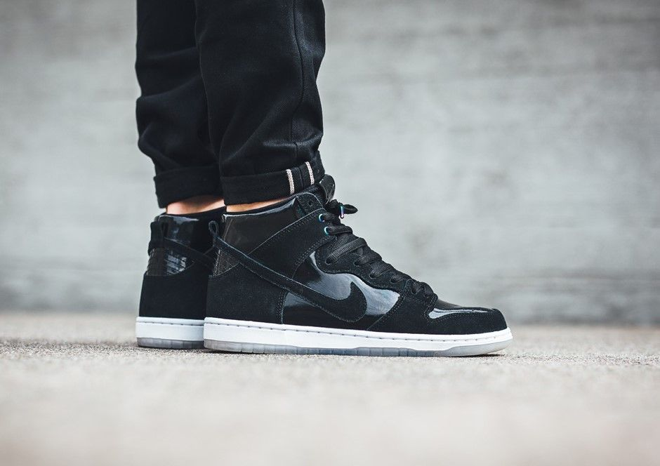 best service dcb98 be017 Nike SB Dunk High Black Iridescent   854851-001 Release Date  August 30,  2017 Price   100 Style Code  854851-001