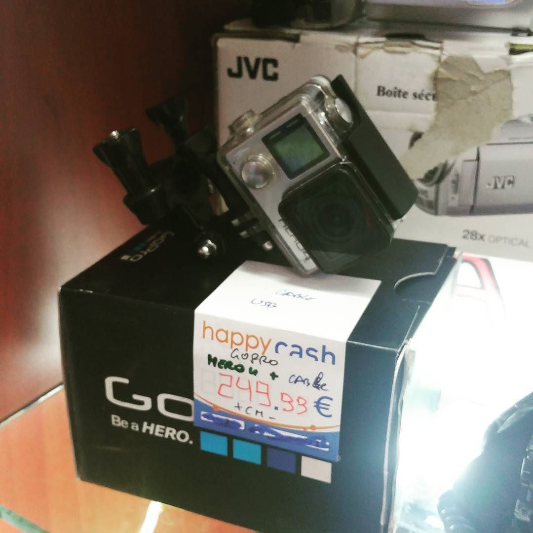 Cette magnifique caméra Gopro Hero 4 vous attend au magasin ! Pour filmer vos meilleurs moments dans n'importe quelle situation  #happycashlannion #bonsplans #bonnesaffaires #happytech22 #gopro Dispo dans votre happycash Lannion depuis le April 22 2017 at 11:00AM