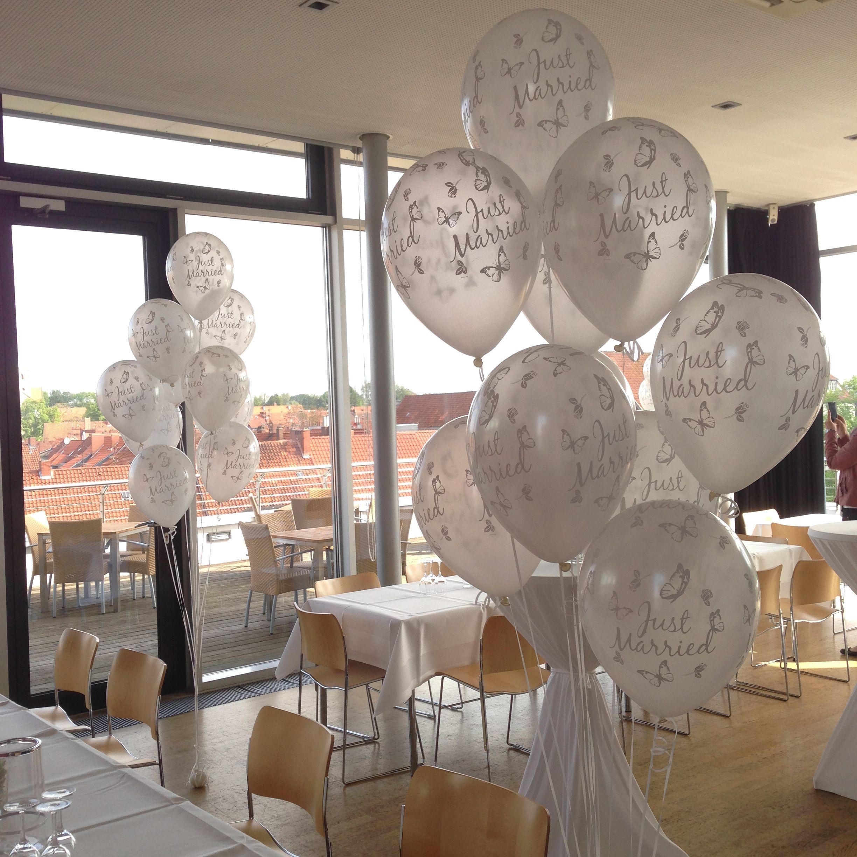 Tolle Ballonstrausse Heliumballons Zur Hochzeit Bereitstellung Zum Spateren Steigenlassen Der Ballons Loc Haus Dekoration Dekoration Dekoration Wohnzimmer