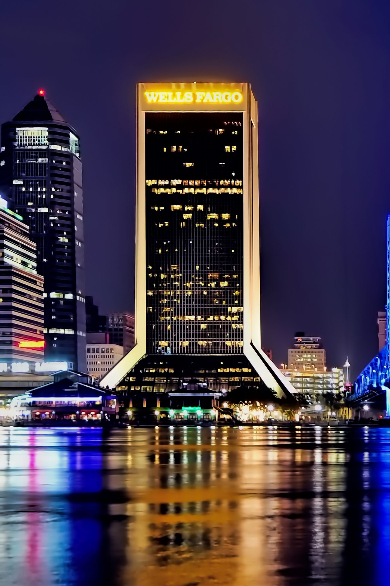 Wells Fargo Center, 1 Independent Drive, Jacksonville