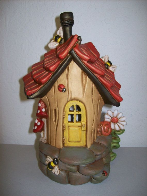 Hand Painted Ceramic Bumble Bee Abode Garden Fairy House