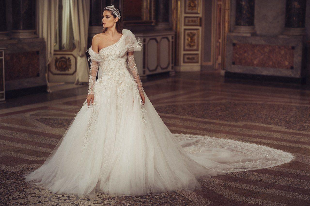 Mariage Atelier Versace Imagine Des Robes De Mariee De Princesse Italienne Robe De Mariee Princesse Robe De Mariee Couture Mariage