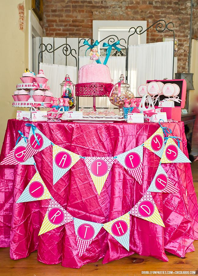 Dress-up theme birthday party {with Double the Fun Parties ...