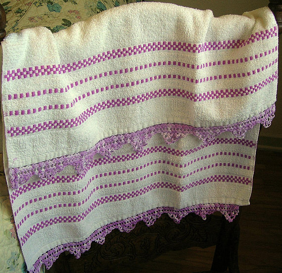 Cannon Bath Towel White Lavender Purple Hand Crocheted Edges