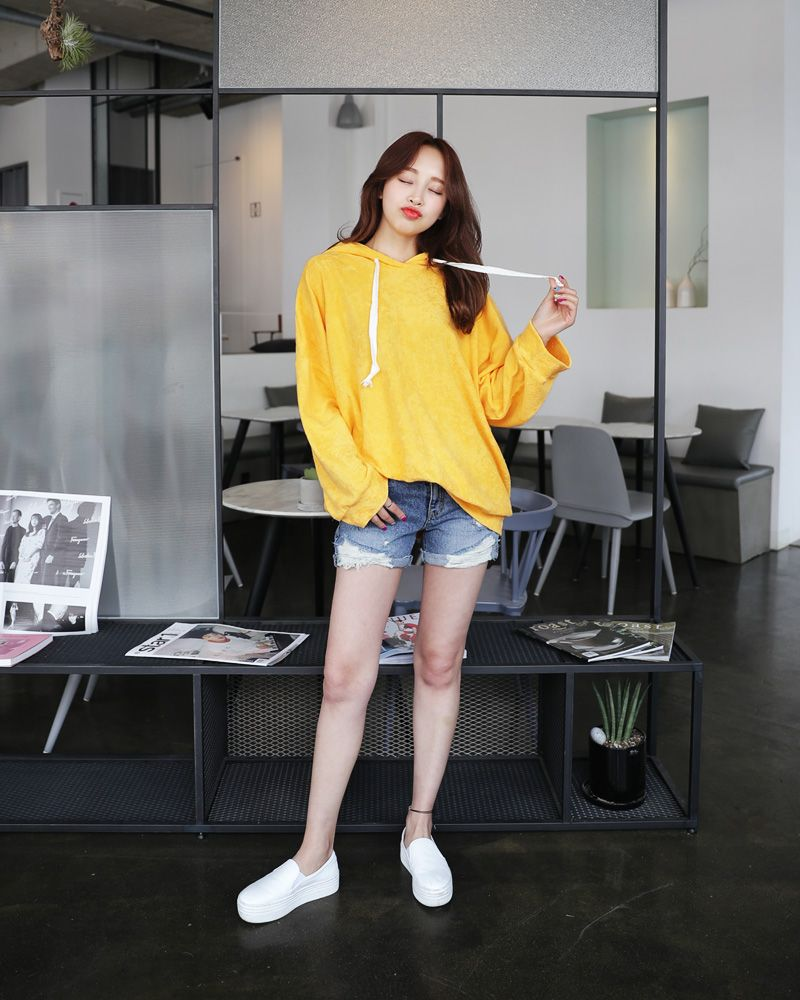Sudah Tahu Warna Ini 20 Ide Outfit Pakaian Warna Kuning Mustard Spice