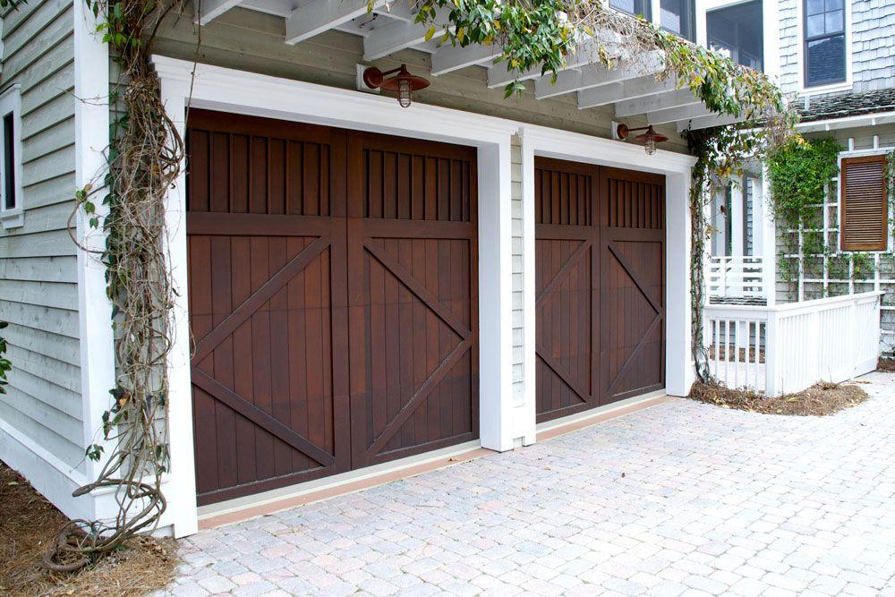 Get The Right Garage Door Repair Services At Comfortdoors Ca In Vancouver We Have A Large Collection Of Garage Garage Doors Diy Garage Door Garage Door Styles