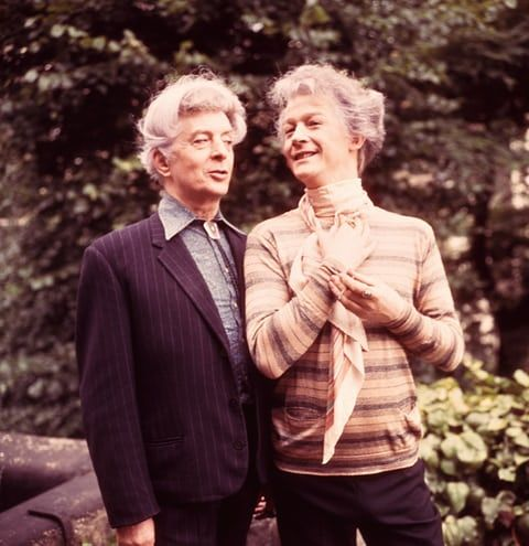 Hurt posing with Quentin Crisp, who he portrayed in The Naked Civil Servant, 1975