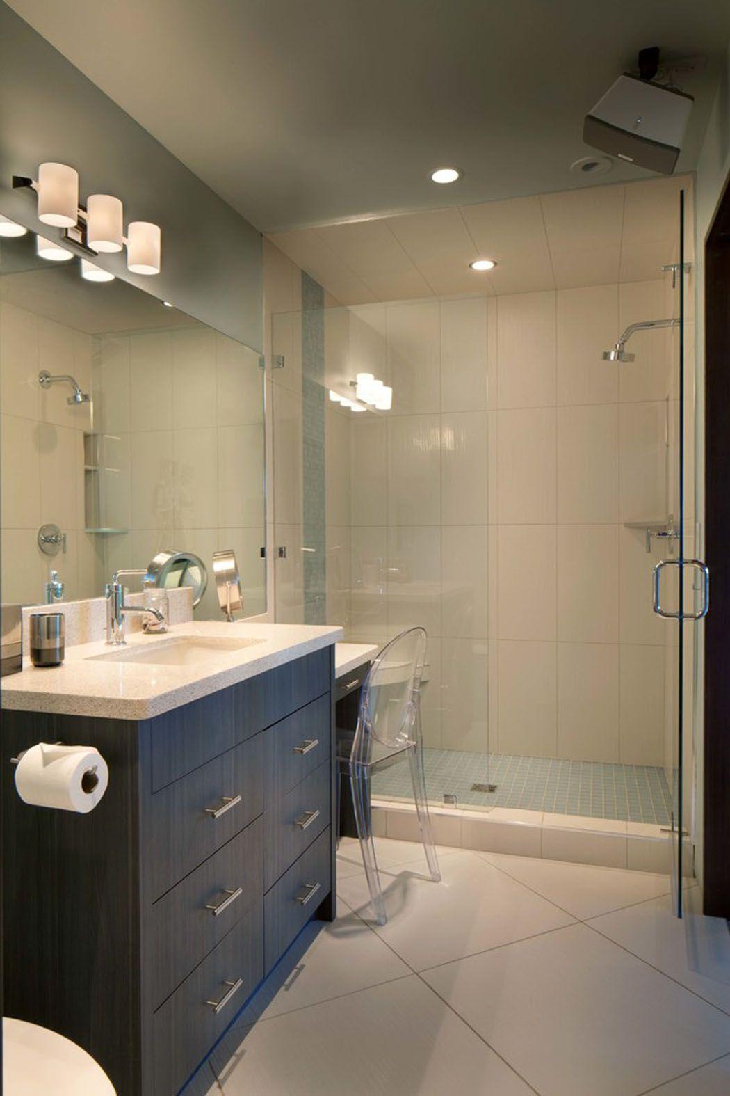 moderne maison rustique l architecture et agencement cr atif au montana sdb sous pente. Black Bedroom Furniture Sets. Home Design Ideas