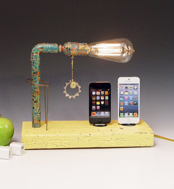 Double Edison Bulb Lamp: Double IPhone 3, 4, 5, Dock AND Table Lamp. Reclaimed Wood