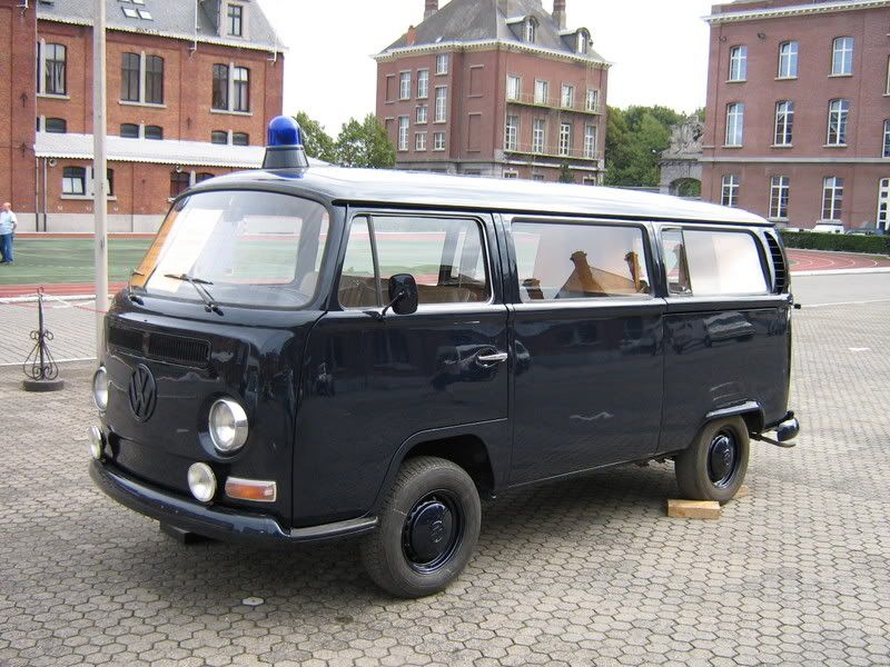 combi vw de la gendarmerie belge police leur v hicules pinterest belge police et belgique. Black Bedroom Furniture Sets. Home Design Ideas