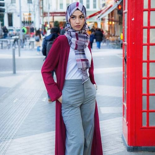 Maxi cardigan in burgundy paired with plaid hijab.- Verona ...