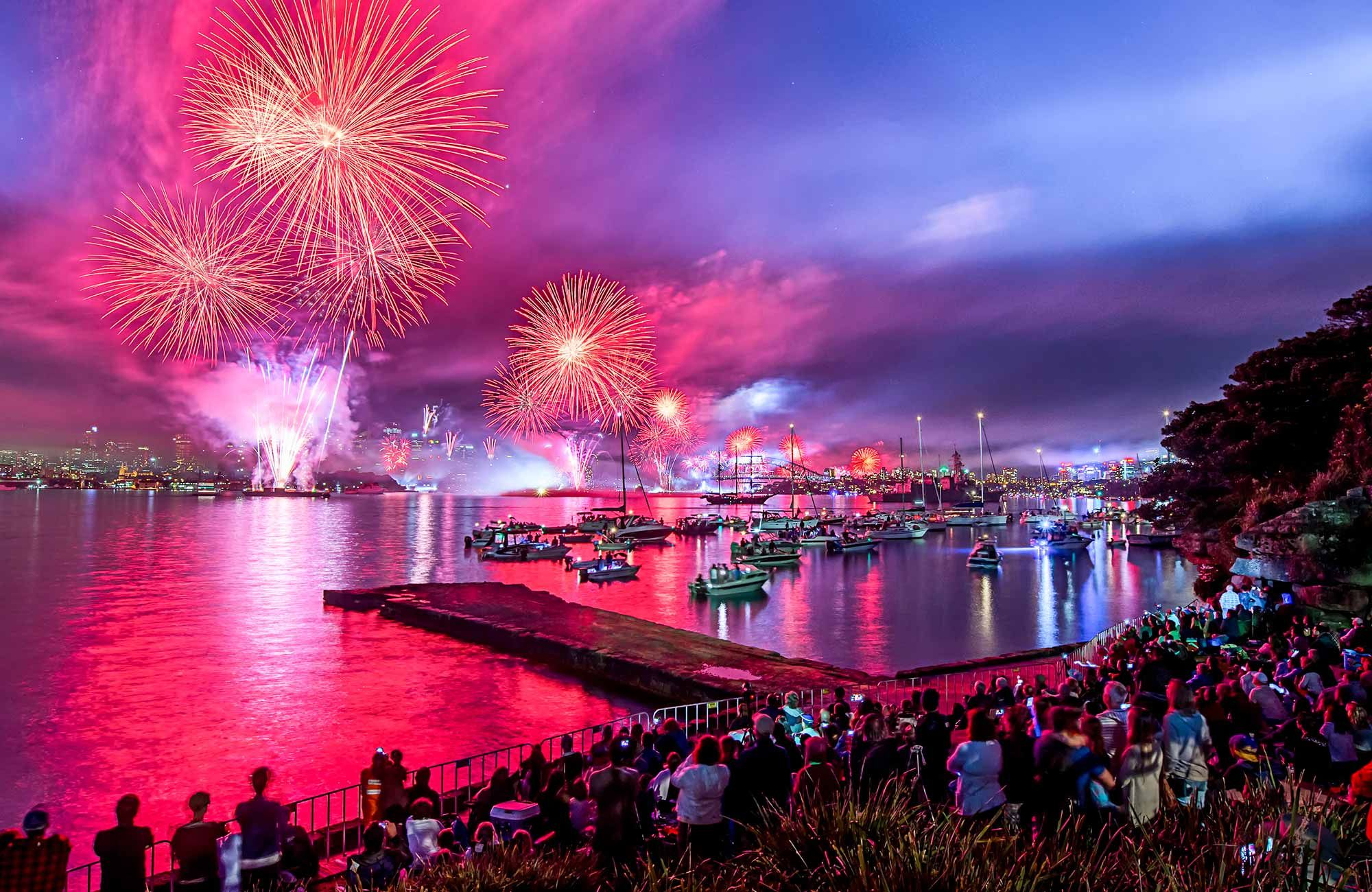 Choose from a range of Sydney Harbour NYE Fireworks Cruise