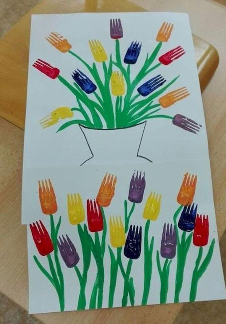Beautiful tulip and spring flower art project.  Preschool, daycare, kindergarten craft!