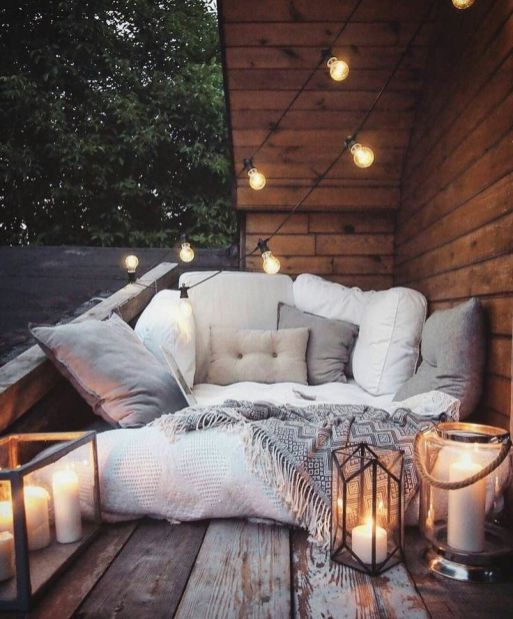 kleiner balkon einrichten styling interior small balcony. Black Bedroom Furniture Sets. Home Design Ideas